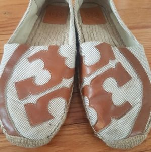Tory Burch Flats Wicker and Suede